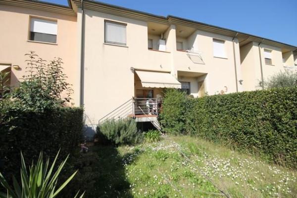 Villetta in Vendita a Capannori Periferia Est: 5 locali, 158 mq