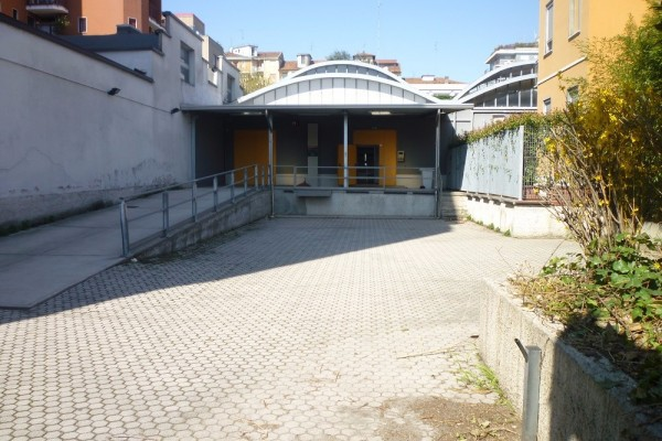 Capannone in Affitto a Milano 29 Certosa / Bovisa / Dergano / Maciachini / Istria / Testi: 5 locali, 820 mq