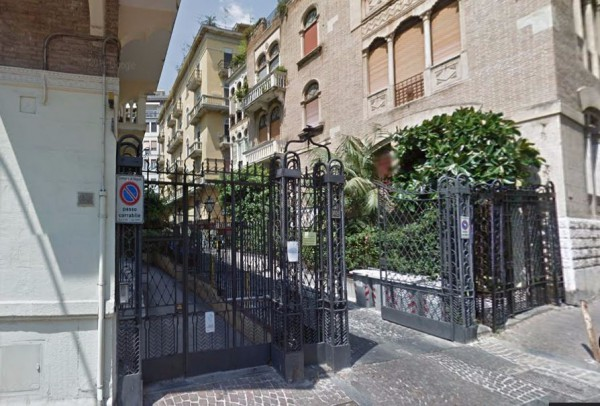 Bilocale Napoli Via Del Parco Margherita 10