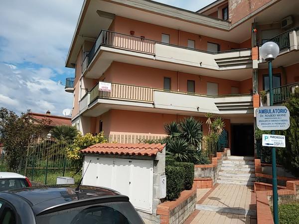 Appartamento in vendita a Baia e Latina, 3 locali, prezzo € 70.000 | Cambio Casa.it