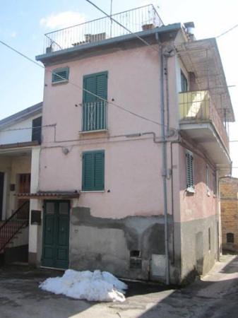Villa in vendita a Colledara, 6 locali, prezzo € 24.800 | Cambio Casa.it