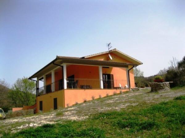 Villa in vendita a Manciano, 6 locali, Trattative riservate | CambioCasa.it