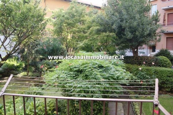 Bilocale Milano Via Carlo Boncompagni 12