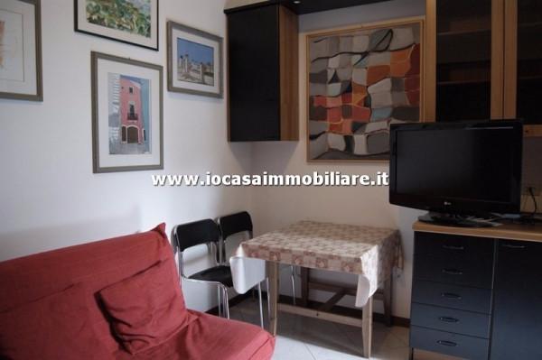 Bilocale Milano Via Carlo Boncompagni 2