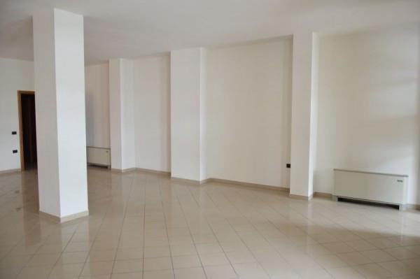 Negozio / Locale in affitto a Limena, 2 locali, prezzo € 800 | Cambio Casa.it