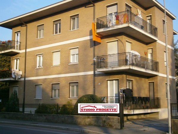 Bilocale Mariano Comense Via Piave 12