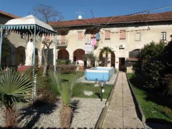 Soluzione Indipendente in vendita a Cerano, 6 locali, prezzo € 260.000 | Cambio Casa.it