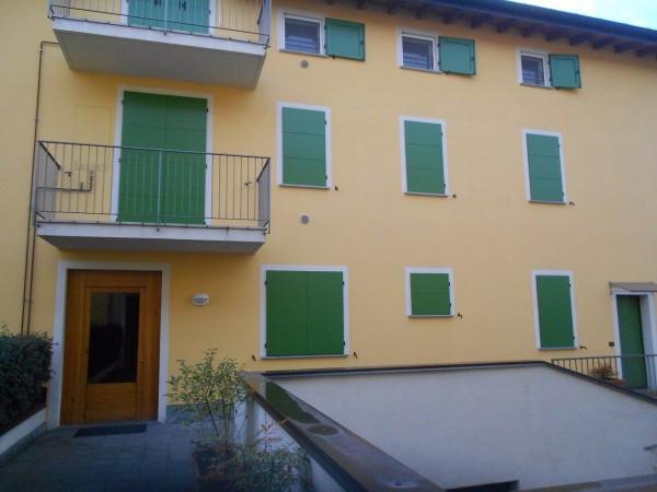 Appartamento in vendita a Travedona-Monate, 2 locali, prezzo € 89.000 | Cambio Casa.it