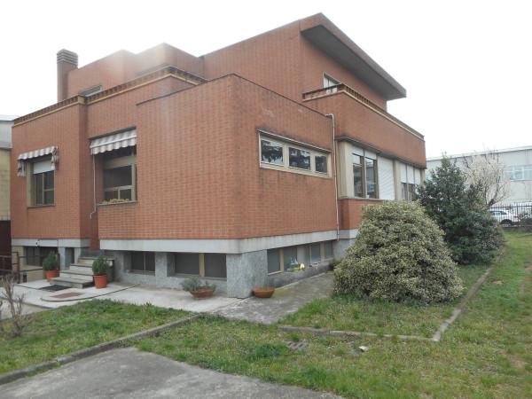 Ufficio / Studio in affitto a Beinasco, 6 locali, prezzo € 1.300 | CambioCasa.it