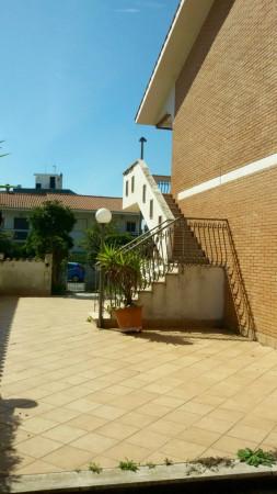 Bilocale Pomezia Via Casablanca 4