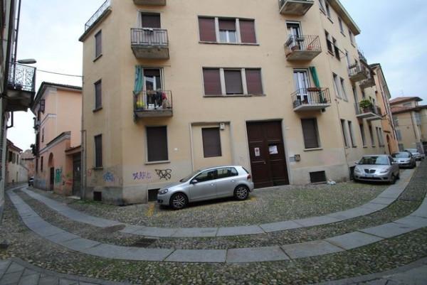 Bilocale Pavia Via Pietro Azzario 1
