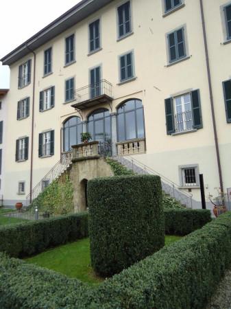 Appartamento in vendita a Barzago, 3 locali, prezzo € 241.000 | Cambio Casa.it