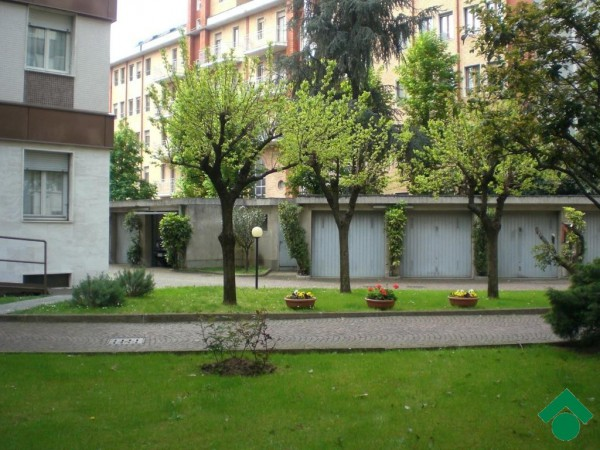 Bilocale Milano Via Angelo Inganni, 103 3