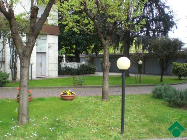 Bilocale Milano Via Angelo Inganni, 103 5