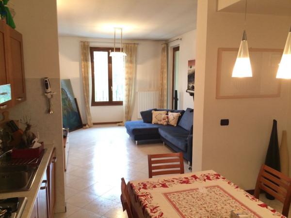 Appartamento in vendita a Osnago, 2 locali, prezzo € 98.000 | Cambio Casa.it
