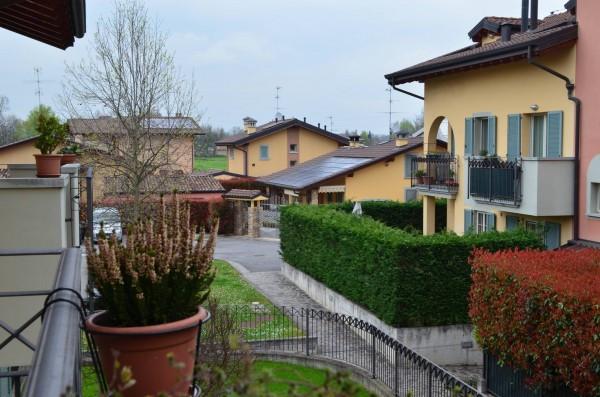 Appartamento in vendita a Canonica d'Adda, 3 locali, prezzo € 125.000 | Cambio Casa.it