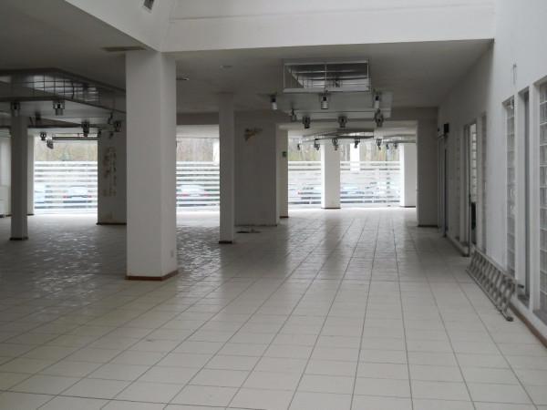 Negozio / Locale in vendita a Saronno, 3 locali, Trattative riservate | Cambio Casa.it