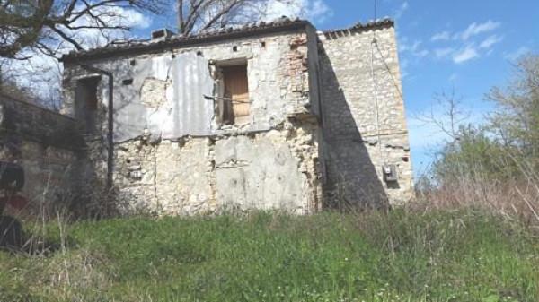 Rustico / Casale in vendita a Castelli, 1 locali, prezzo € 26.000 | CambioCasa.it
