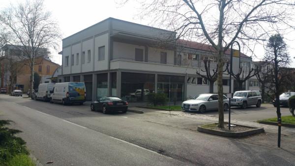 Laboratorio in vendita a Modena, 9999 locali, Trattative riservate | Cambio Casa.it