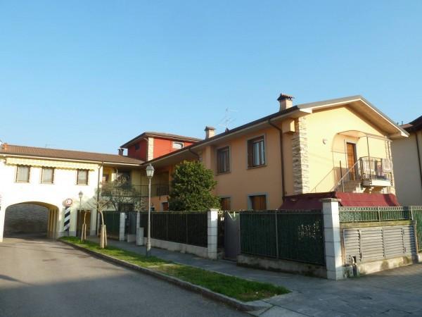 Appartamento in vendita a Brembate, 3 locali, prezzo € 167.000 | Cambio Casa.it