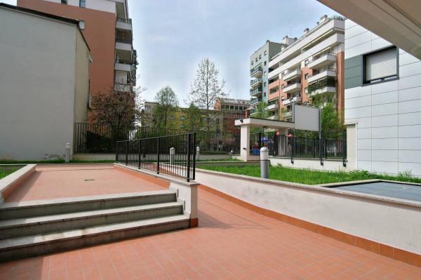 Bilocale Milano Via Legnone 7
