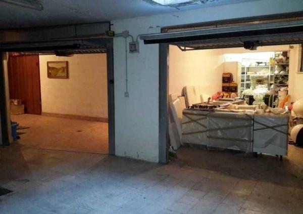 garage-Box-posto auto Singolo in Vendita a Civitavecchia