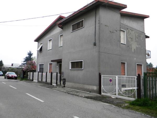 Villa in vendita a Cassano Magnago, 6 locali, prezzo € 220.000 | Cambio Casa.it