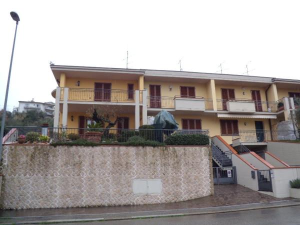 Villa in vendita a Montale, 5 locali, prezzo € 600.000   CambioCasa.it