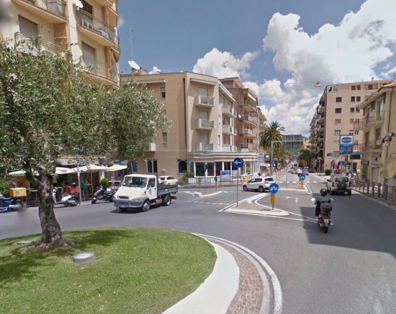 Appartamento in Vendita a Pietra Ligure Centro: 2 locali, 40 mq