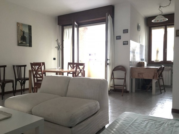 Bilocale Caronno Pertusella Via Trieste 9