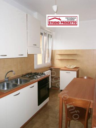 Bilocale Cantù Via Piemonte 7