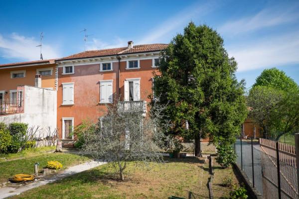 Rustico / Casale in vendita a Pozzolengo, 6 locali, Trattative riservate | CambioCasa.it