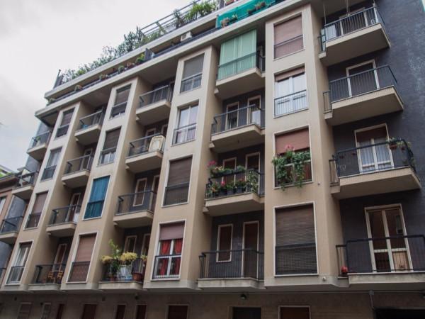 Bilocale Milano Via Pompeo Cambiasi 11