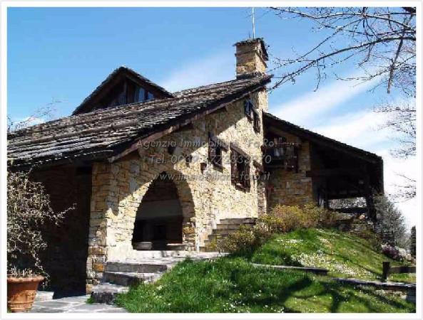 Villa in Vendita a Druogno