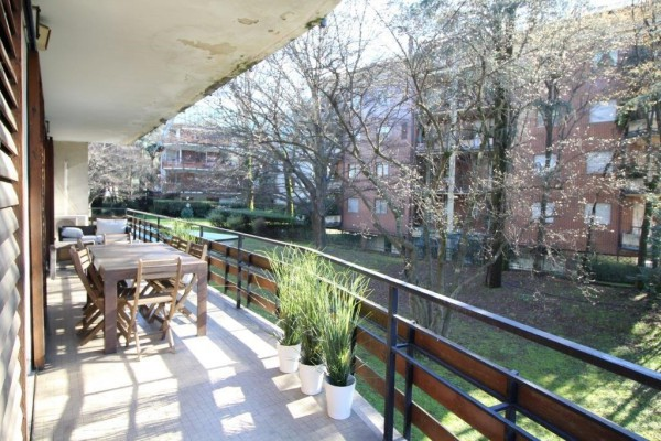 Appartamento in Vendita a Milano 18 Ippodromo / San Siro / Zavattari: 5 locali, 245 mq
