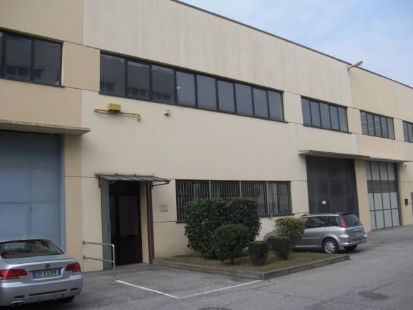 Capannone in vendita a Beinasco, 6 locali, Trattative riservate | Cambio Casa.it
