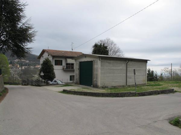 Villa in Vendita a Pistoia Periferia: 5 locali, 276 mq