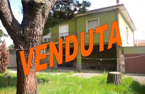 Villa in vendita a Gorla Minore, 4 locali, prezzo € 220.000 | Cambio Casa.it