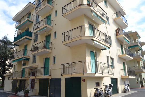 Bilocale Pietra Ligure Via Lombardia 7