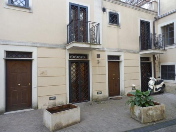 Bilocale Genzano di Roma Via Italo Belardi 10