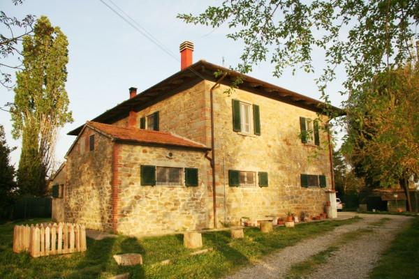 Rustico in Vendita a Arezzo Periferia Ovest: 5 locali, 300 mq