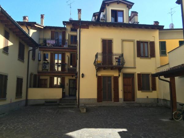 Bilocale San Colombano al Lambro Via Monti 1