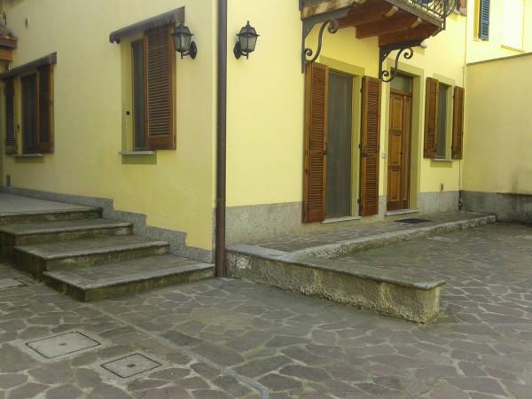 Bilocale San Colombano al Lambro Via Monti 2