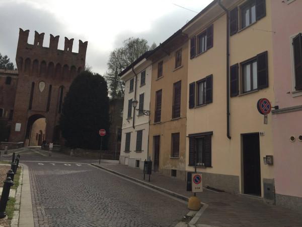 Soluzione Indipendente in vendita a San Colombano al Lambro, 4 locali, prezzo € 250.000 | Cambio Casa.it