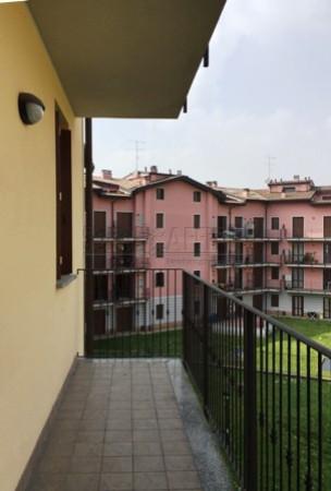 Bilocale Besana in Brianza Via Teodoro Moneta, 2 12