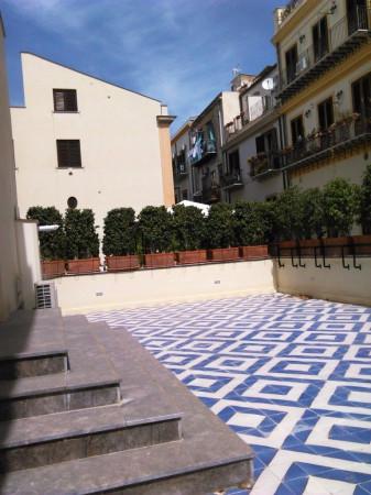 Appartamento in Vendita a Palermo Centro: 4 locali, 180 mq