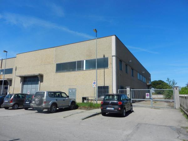 Capannone in vendita a Nichelino, 9999 locali, prezzo € 450.000 | Cambio Casa.it