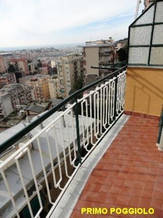 Bilocale Genova Via Giovanni Santolini 13