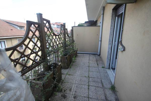 Bilocale Milano Via Clefi 1