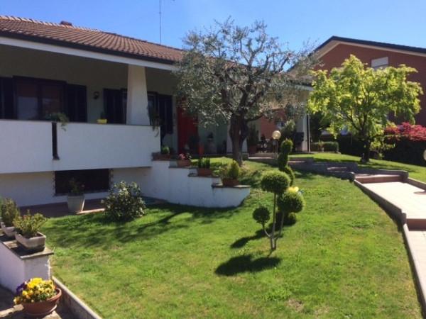 Villa in vendita a Bra, 6 locali, prezzo € 360.000 | Cambio Casa.it